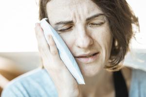 Mal di denti e dolore alla gengive durante la gravidanza
